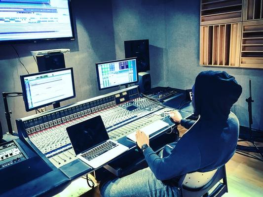 Jonathan Elder on SoundBetter