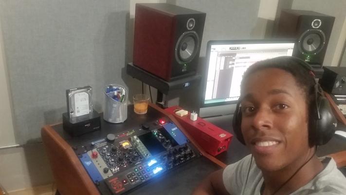 Paul Dolphin on SoundBetter
