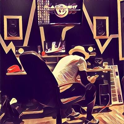 Uberwood Media Studio on SoundBetter