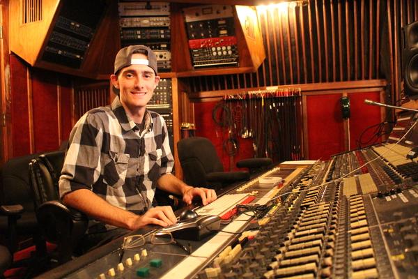 Nick Agee on SoundBetter