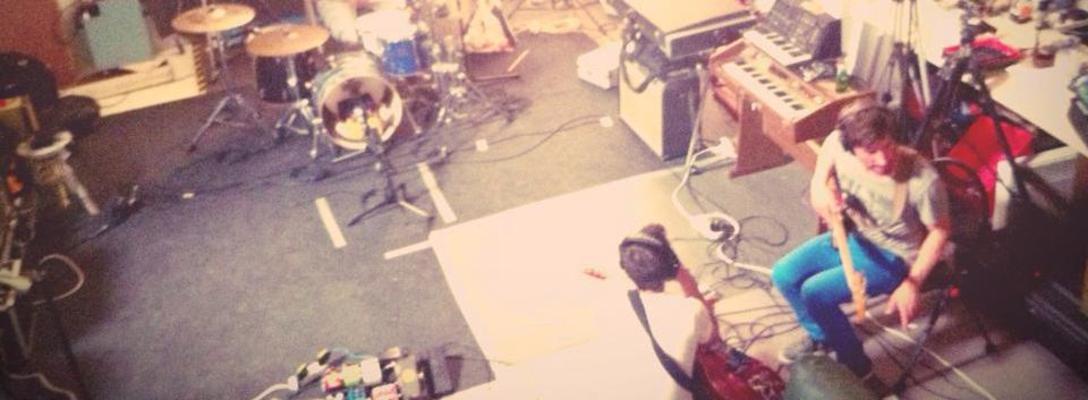 Listing_background_wild_horse_studio_sound_better