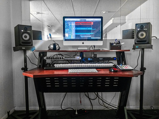 Jerry Buell/ Lowercase Studio on SoundBetter