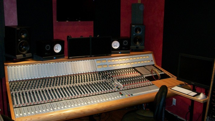 Wolf Den Studios on SoundBetter