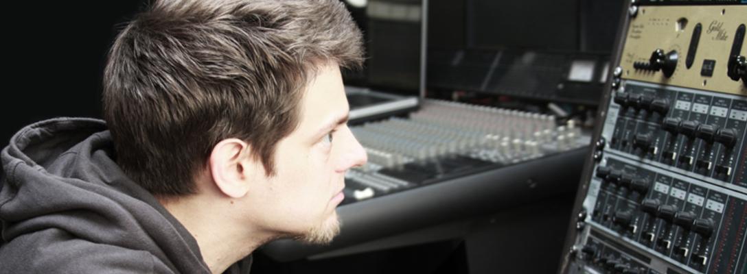 Listing_background_michaelviol_studio