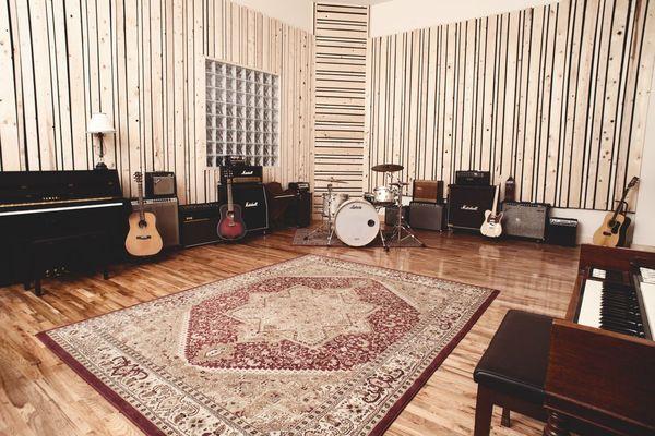 Virtue And Vice Studios on SoundBetter