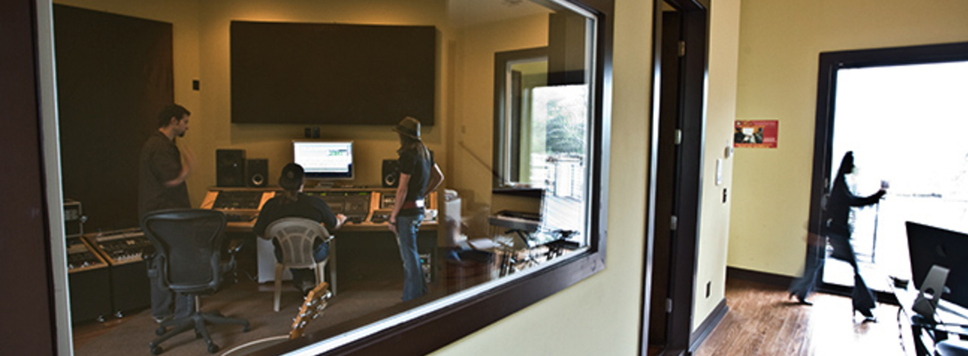 Stinson Studios on SoundBetter